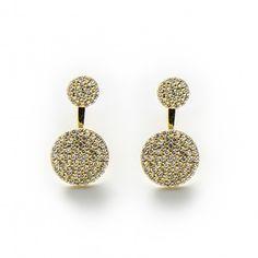 Cercei cu zirconii  Printre bijuteriile pe care le puteti oferi oricand cu ocazia unei zile de nastere, onomastice sau la sarbatori, se numara cerceii. Acestia au reprezentat o atractie din cele mai vechi timpuri, formele, materialele si modelele evoluand foarte mult de-a lungul secolelor si mileniilor. In zilele...  http://fashion-biz.ro/cercei-cu-zirconii/
