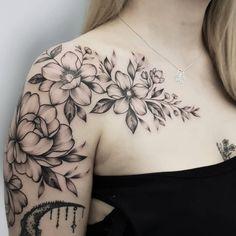 "ғʟᴀᴍɪ. on Instagram: ""🌿 @tattoowizardspl Zajrzycie na profile moich znajomych ze studia: @szklarztattoo @inked_moose @_barb_ink  #flowerstattoo #floralttattoo…"" Time Tattoos, All Tattoos, Sleeve Tattoos, Tattoos For Women Flowers, Beautiful Flower Tattoos, Handpoked Tattoo, Shoulder Tattoos For Women, Flower Tattoo Shoulder, Pink Peonies"