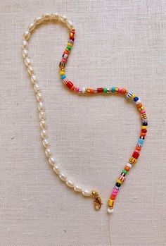 Summer Necklace, Diy Necklace, Necklace Designs, Beaded Rings, Beaded Jewelry, Beaded Bracelets, Jewelry Crafts, Jewelry Art, Fashion Jewelry