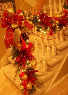 Creations from my heart: A Traditional Red & Green Staircase