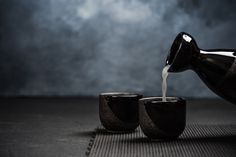 Warm Your Winter With These 11 Hot Cocktails From Around the World Best Sake, Japanese Cocktails, Japanese Sake, Japanese Food, Alcohol Aesthetic, Cocktail Photography, Winter Cocktails, Bottle Packaging, Seasonal Food