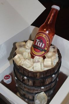INCREDIBLE cake. bottle and ice made from sugar. damn awesom cake, ice cubes, mother, cake idea, beer cakes, beer bottles, incred cake, incredible cakes, edible art