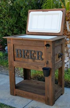 New (never used) Rustic BEER cooler. Make an offer! New (never used) Rustic BEER cooler. Make an offer! The post New (never used) Rustic BEER cooler. Make an offer! appeared first on Pallet Diy. Patio Cooler, Outdoor Cooler, Beer Cooler, Diy Cooler, Pool Cooler, Outdoor Grill Area, Outdoor Grill Station, Pallet Patio Furniture, Rustic Furniture