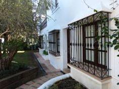 Portas e janelas rústicas por Conely