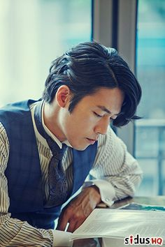 Jang Hyuk I think this is his best hair style. Asian Actors, Korean Actors, Busan, South Corea, Eric Mun, Fated To Love You, Marriage Romance, Drama Fever, Park Hyung Sik
