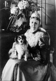 princess Sophia of Nassau  queen  sophia of sweden  dog