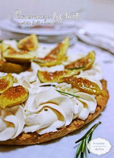 the italian cuisine Fig Dessert, Italy Food, Best Italian Recipes, Beautiful Fruits, Keto Brownies, Italian Pasta, Finger Foods, Sweet Tooth, Good Food