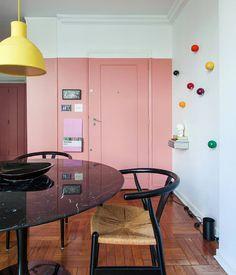 """2,332 curtidas, 16 comentários - Histórias de Casa (@historiasdecasa) no Instagram: """"quem aí lembra da sala mega colorida da arquiteta Vivi (@pro.aarquitetos) que postamos no blog…"""""""