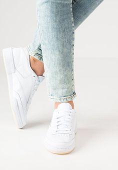 Klares Design sorgt für einen coolen Look. Reebok Classic CLUB C 85 FACE - Sneaker low - clarity/wonder für € 89,95 (01.10.16) versandkostenfrei bei Zalando.at bestellen.