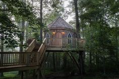 Old Pine - The Mohicans | Rustic Barn Wedding Venue, Tree House and Cabin Rentals