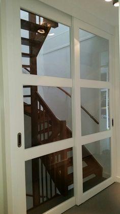 Schuifdeuren op maat voor een trap Open Trap, House Plans, Scale, Sweet Home, Stairs, House Design, House Styles, Home Decor, Verandas