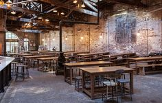 Houston Hall is a beer hall located in New York City& West Willage. Brewery Design, Pub Design, Hall Design, Pizzeria Design, Restaurant Design, Restaurant Bar, Beer Club, Bar Design Awards, Decoration Bedroom