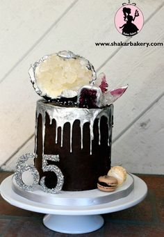 drip cakes | Sugar Geode and Agate Chocolate Ganache Drip Cake | Shakar Bakery
