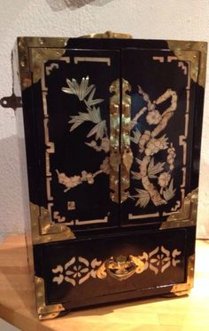 ANTIQUE CHINESE WOOD AND JADE JEWELERY BOX My Want Needs