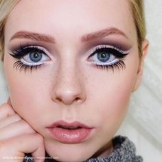 Gorgeous Makeup Looks For New Years Eve is part of eye-makeup - Start 2019 in style! Here are some beautiful makeup looks to bring a little elegance and sparkle to your New Year's Eve party outfit this year Makeup Goals, Makeup Inspo, Makeup Inspiration, Makeup Tips, Beauty Makeup, Makeup Ideas, Glamour Makeup, Makeup Hacks, Makeup Designs