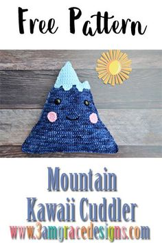 Our free Mountain crochet pattern & tutorial makes an adorable pillow for you or your favorite outdoors lover. How to crochet a mountain amigurumi cuddler pillow with rosy kawaii cheeks & smile! Our free mountain crochet pattern works up quickly. Kawaii Crochet, Bag Crochet, Crochet Pillow Pattern, Crochet Tools, Easy Crochet Patterns, Crochet Patterns Amigurumi, Crochet Designs, Crochet Baby, Crochet Projects