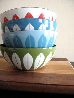 White on green. Vtg Cathrineholm enamel bowl 5 1/2 by fuzzandfu, $64.00