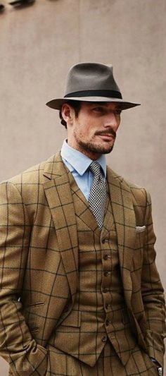 British model David Gandy ♥✤ arrives to watch Monday's Burberry Menswear show