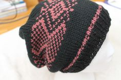 Slouchy hat. Acrylic, Brand Bernat super valu. made mostly on the machine. brother KH260