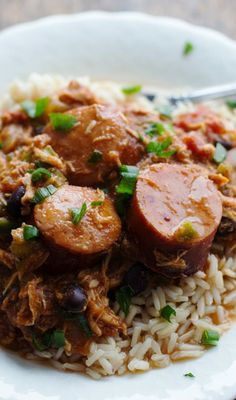 Slow Cooker Creole Chicken and Sausage - Pinch of Yum - Crockpot Recipes Sausage Crockpot Recipes, Crockpot Dishes, Slow Cooker Recipes, Chicken Recipes, Cooking Recipes, Crockpot Meals, Freezer Meals, Slow Cooker Huhn, Crock Pot Slow Cooker