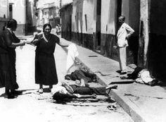 Mujer llora la muerte de familiares en Sevilla. La represión franquista se ensañó duramente en Sevilla. Más de 14.000 asesinados.
