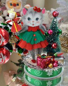 Vintage Inspired Christmas  SuGaR SwEeT Kitchmas by saturdayfinds
