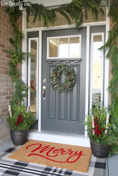 Creative Front Porch Christmas Decorations Make some creative Christmas front porch decor! Outdoor Christmas decorations for every family! Let's get started decorating your front porch for Christmas! Diy Christmas Door Decorations, Holiday Decor, Simple Christmas, Christmas Home, Christmas Porch Ideas, Primitive Christmas, Country Christmas, Christmas Snowman, Outdoor Christmas Figures