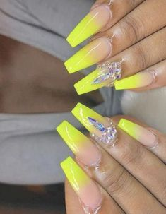 Birthday nails design bling rhinestones 27 new Ideas Nail Designs Bling, Nails Design With Rhinestones, Cute Nail Designs, Acrylic Nail Designs, Cute Gel Nails, Diy Nails, Pretty Nails, Aycrlic Nails, Nail Nail