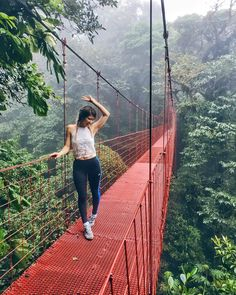 Is crossing hanging bridges in Monteverde's cloud forest still on your 🌿😍🍃 Photo credits: Stuff To Do, Things To Do, Monteverde, Photo Credit, Cute Pictures, Clouds, Poses, Adventure, Bridges