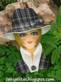 Felt Dolls, Paper Dolls, Barrettes, Felt Ornaments, Christmas Ornament, Felt Brooch, Hat Hairstyles, Fabric Jewelry, Doll Crafts