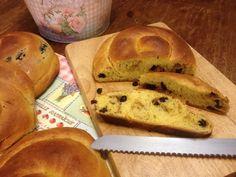 Τσουρέκια νηστίσιμα γεμιστά (με 4 διαφορετικές γεμίσεις)! | Sokolatomania Sokolatomania Bread, Food, Brot, Essen, Baking, Meals, Breads, Buns, Yemek