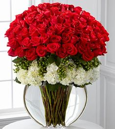 Designer Rose Bouquet of 75 Red Roses at Send Flowers. A tall premium long stemmed roses bouquet with gorgeous white hydrangea and a message card. Amazing Flowers, Beautiful Roses, Beautiful Flowers, Rosen Arrangements, Floral Arrangements, Deco Floral, Arte Floral, Floral Design, Ikebana