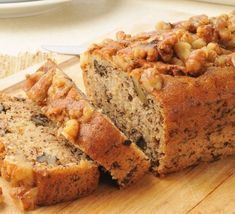 Banana bread is the epitome of comfort food. Banana Walnut Bread, Moist Banana Bread, Banana Nut, Banana Bread Recipes, Love Eat, Dessert Recipes, Desserts, Bakery, Yummy Food