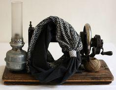 http://www.alittlemarket.com/echarpe-foulard-cravate/fr_snood_double_bleu_de_laine_par_violette_et_grenadine_-16496599.html