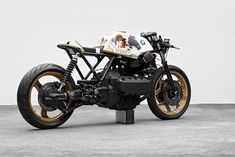 Philipp Wulk loved customizing his BMW so much, he built two versions. Bmw Motorcycles, Custom Motorcycles, Custom Bikes, Cafe Bike, Bmw Cafe Racer, Cafe Racers, Cafe Moto, Ducati St4, Yamaha