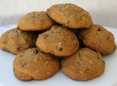 ✅ Nana's Persimmon Cookies - Just made these! Super yummy and cake-y (would add golden raisins. Persimmon Cookie Recipe, Persimmon Bread, Persimmon Recipes, Persimmon Fruit, Just Desserts, Delicious Desserts, Yummy Food, Healthy Desserts, Cookie Recipes