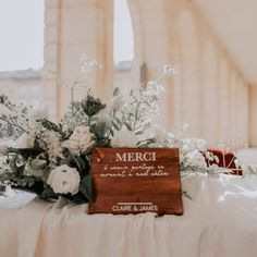 Table Decorations, Furniture, Home Decor, Creative Ideas, Urn, Minimalist, Weddings, Decoration Home, Room Decor