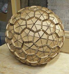 GEODE, un icosaedro troncato realizzato tramite incastri