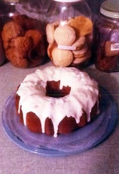 Lois Reed's Apple Harvest Cake is a longtime family favorite. http://www.patriotledger.com/features/x2105836844/Readers-share-their-treasured-holiday-recipes?zc_p=6=10