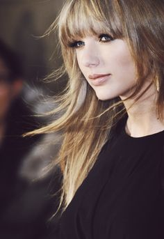 Taylor Swift - Windblown hair and pretty makeup Taylor Swift Fotos, Long Live Taylor Swift, Taylor Swift Style, Taylor Swift Pictures, Taylor Alison Swift, Mtv Video Music Award, Britney Spears, Head Band, Taylors