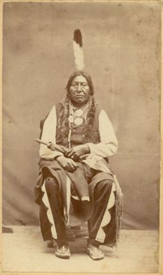 Wolf Necklace - Yanktonai / Sioux (Nakota)