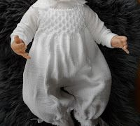 "Babybukse Eg Er Nok Av Den ""Gammeldags - Diy Crafts Baby Knitting Patterns, Knitting Designs, Baby Patterns, Crochet Baby, Knit Crochet, Crochet Pattern, Baby Barn, Baby Dress, Onesie"