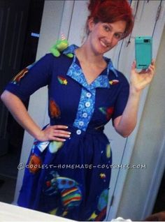 Homemade Ms. Frizzle Costume of The Magic School Bus... This website is the Pinterest of costumes