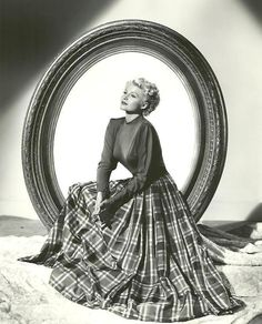 Rita Hayworth in The Lady from Shanghai  www.originaloldradio.com