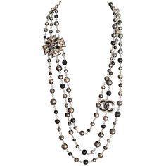 Chanel necklace Sautoir Pearls ($55) ❤ liked on Polyvore featuring jewelry, necklaces, chanel, jewels, pearls, pearl necklace, multi row necklace, multiple strand pearl necklace, chanel necklace and grey pearl necklace