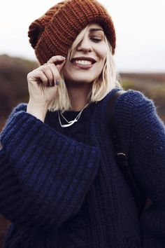 Traditional fashion interpreted in a modern way Winter Photography, Photography Poses, Instagram Look, Autumn Instagram, Portrait Inspiration, Style Inspiration, Boho Fashion, Winter Fashion, Germany Fashion