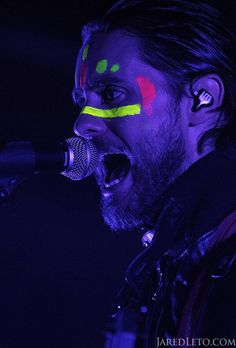 Singing live on stage. Jared Leto, Thirty Seconds, 30 Seconds, Face Painting Stencils, Body Painting, Dallas Buyers Club, Neon Nights, Life On Mars, Neon Party