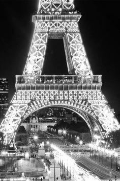 Midnight in Paris ♔