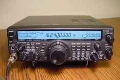 Yaesu FT-847 - HF/6/2/70 - All Mode Radio