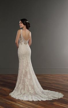 917 Lace Column Wedd